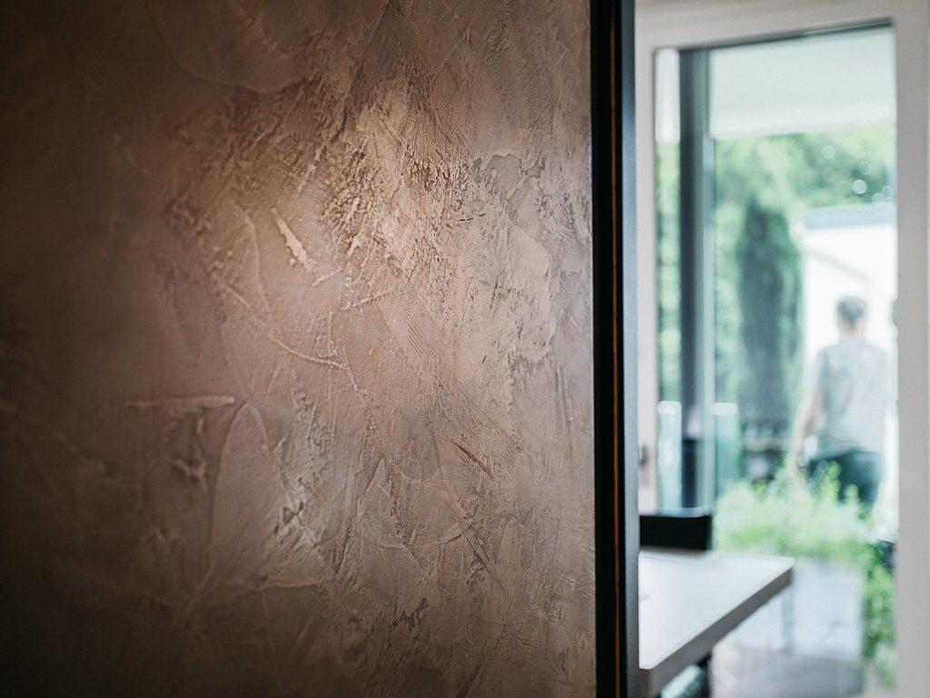 Echtmetall Wand
