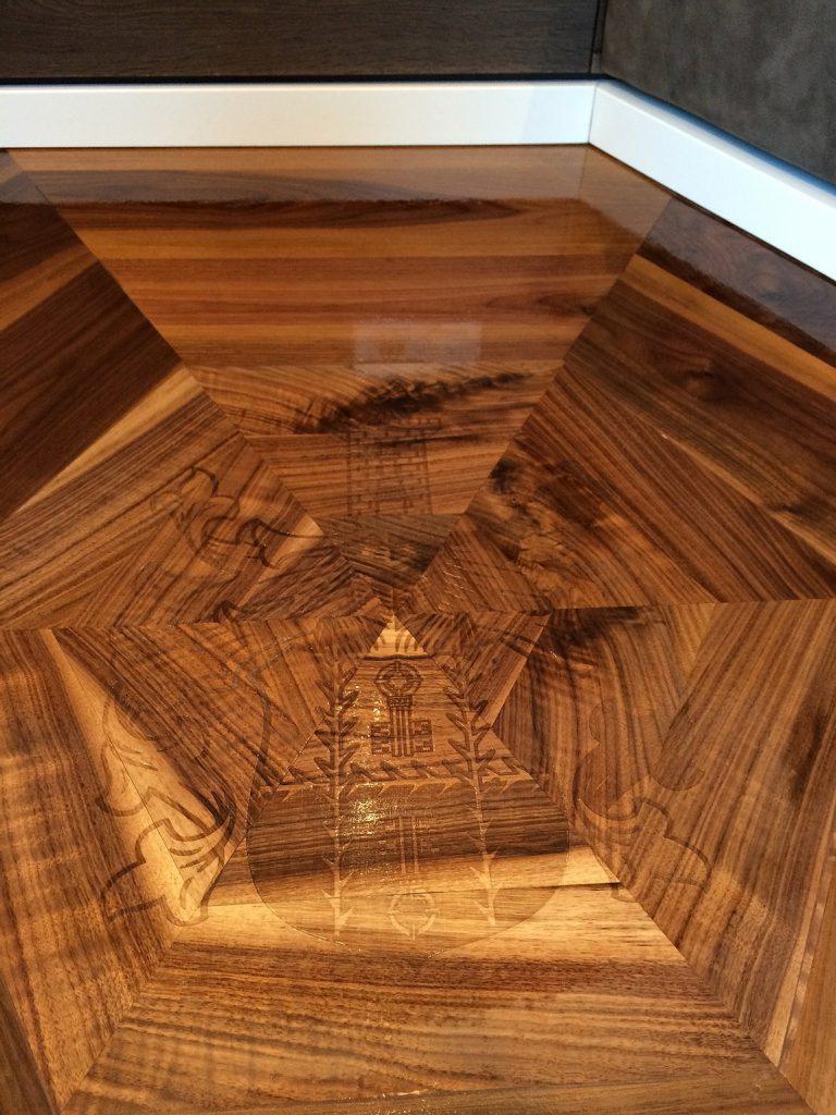Holz Wappen Parkett