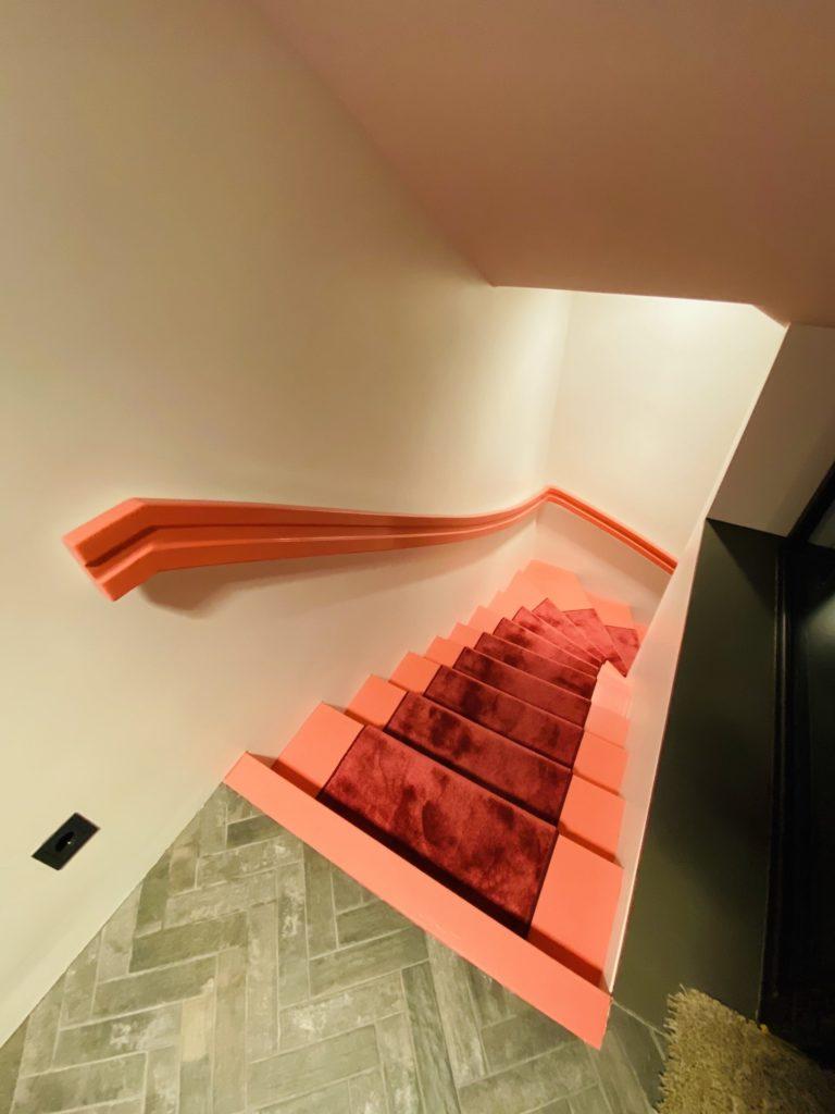 Treppe rote Stufen